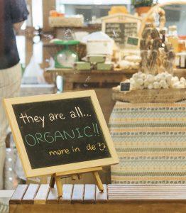 สวนชั้น 1 'it's going green': ร้านขายของกินของใช้ที่ดีต่อตัวเราและดีต่อโลกเท่าที่เป็นไปได้